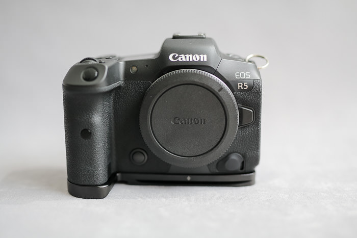 photography equipment i bring on a wedding